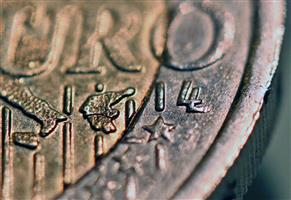 Luc Luycx initials on the euro